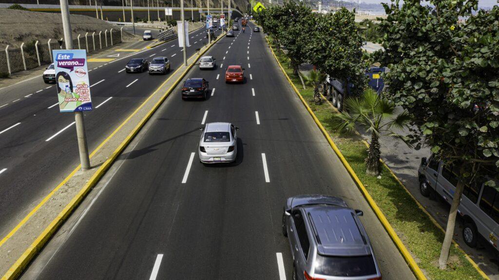 MUNICIPALIDAD DE LIMA CONCLUYE MANTENIMIENTO DE CASI 6 KM DE PISTAS EN LA COSTA VERDE